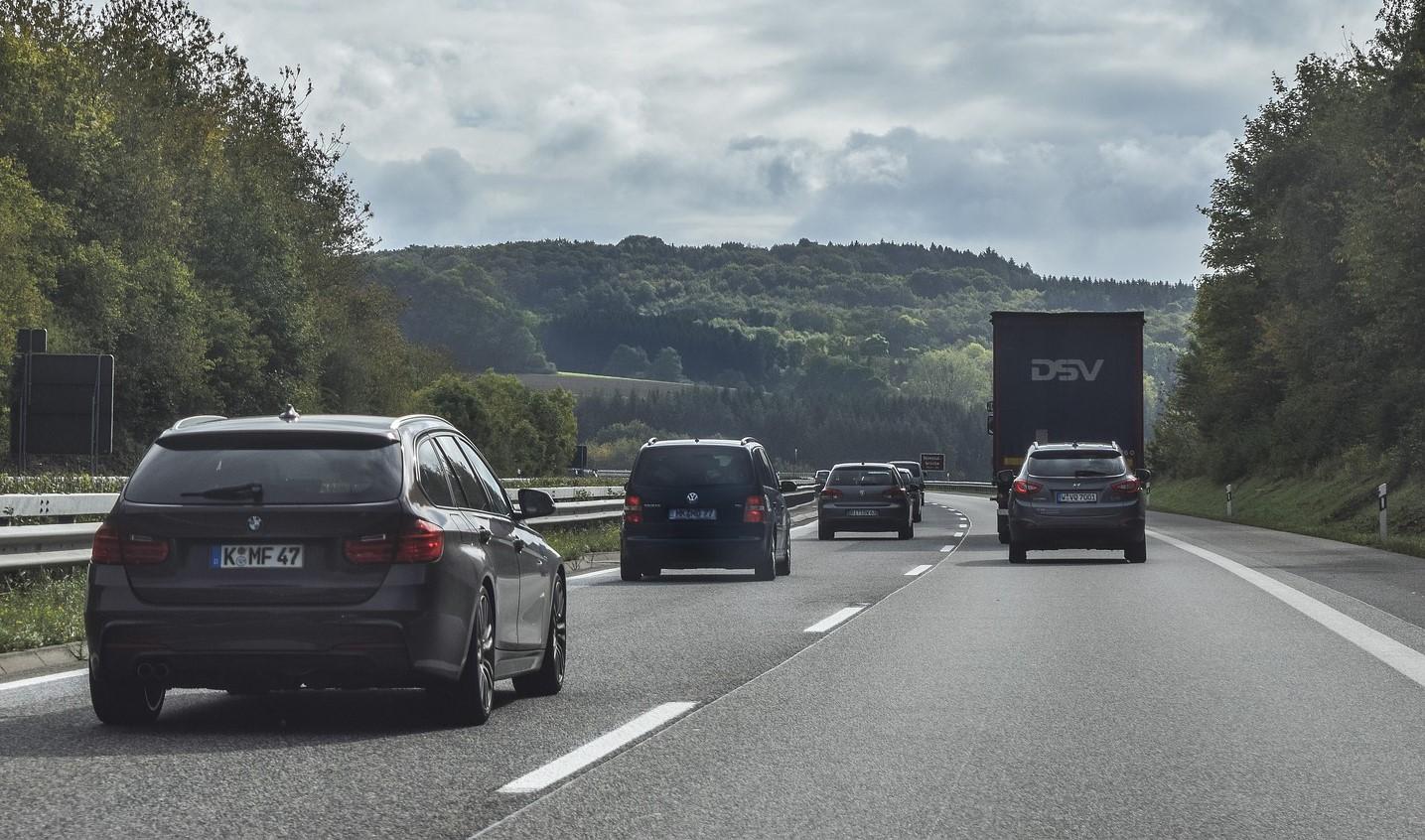 Autobahn-Straße